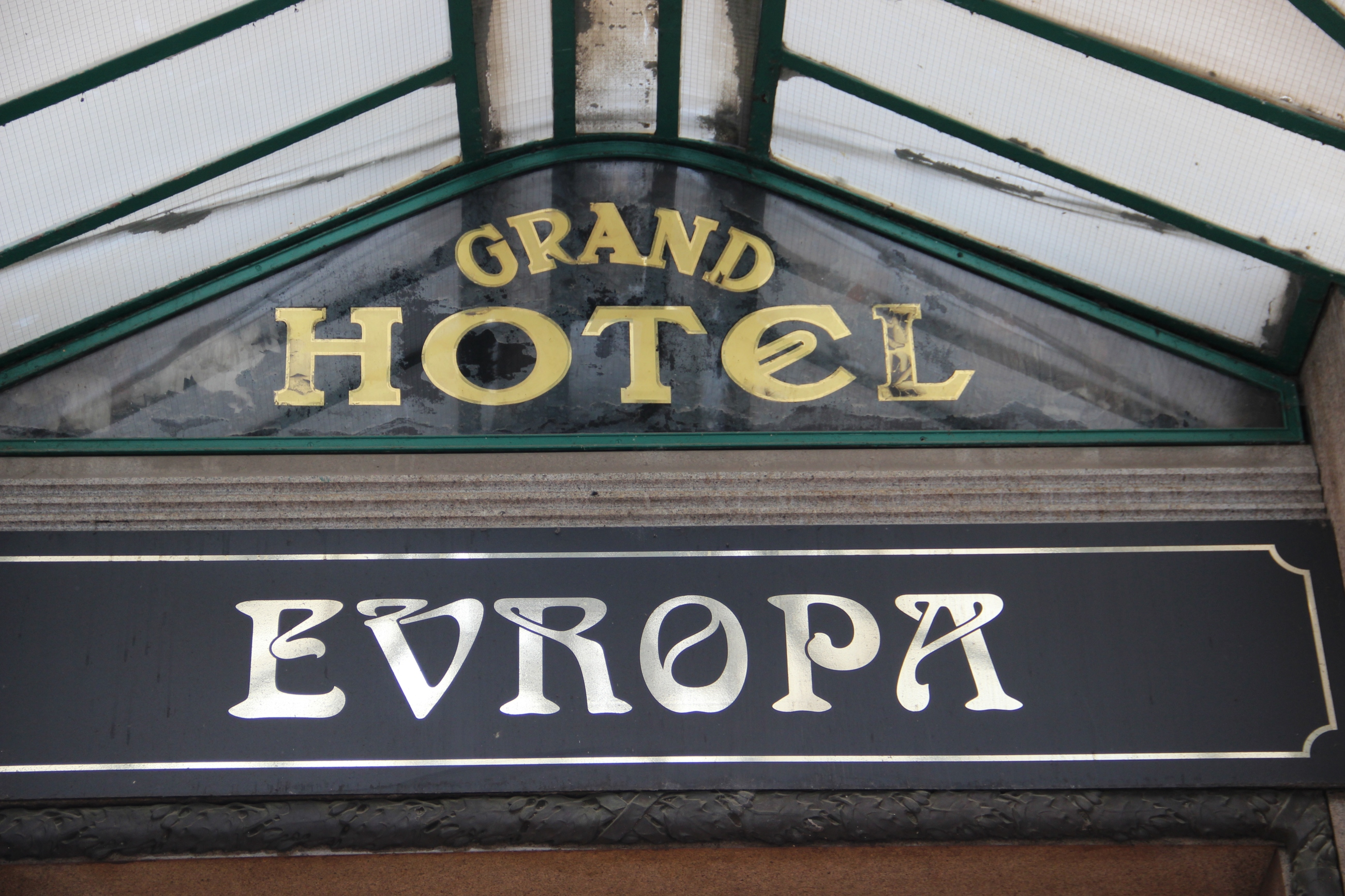 sarah-kanawin-hotel-europa