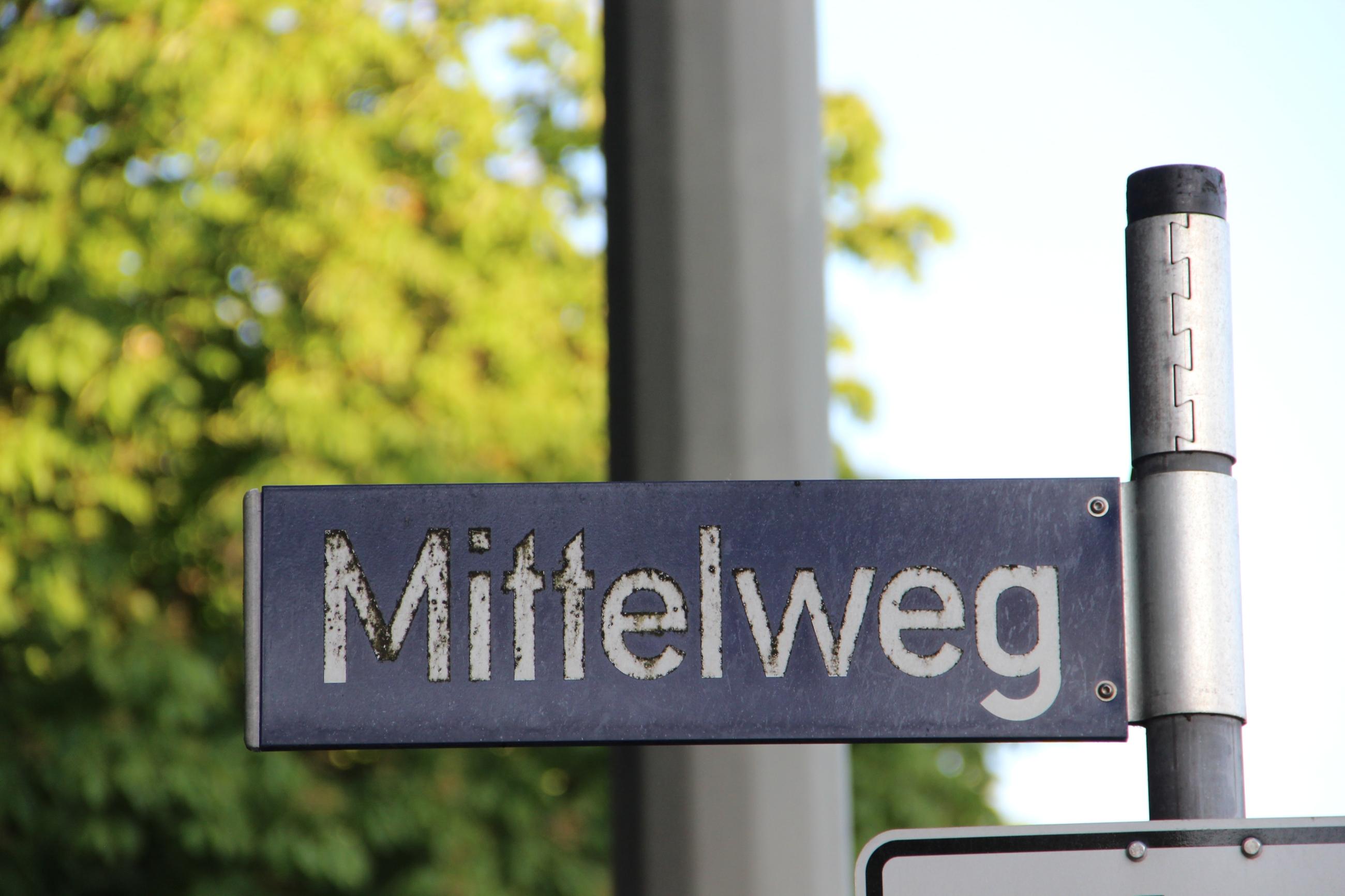 Foto: Straßenschild: Mittelweg